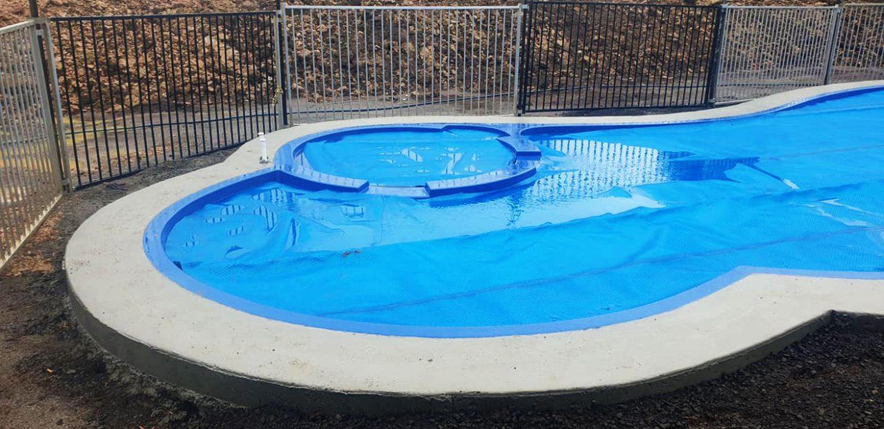 western pool heating solar blankets